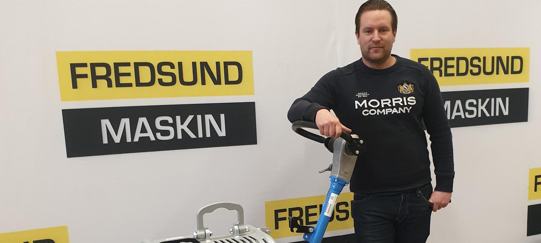 Magnus Karnerfalk med en Weber markvibrator